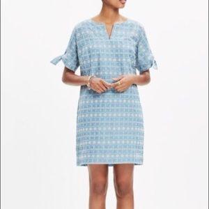 💫 Madewell embroidered tie sleeve dress